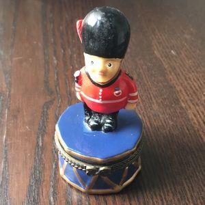 VTG Mini jewelry box trinket case London Royal